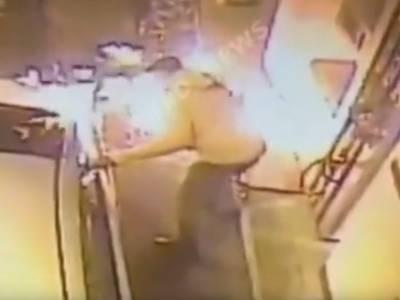 Победитель премии Дарвина найден! В Южно-Сахалинске мужчина чиркнул зажигалкой у бензобака