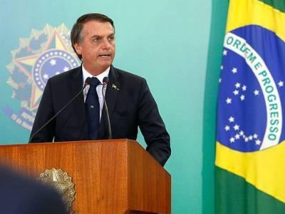 Президент Бразилии отказался прививаться от коронавируса