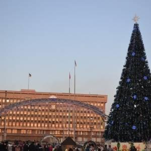 В Запорожье на площади Фестивальной в этом году не будет новогодней елки