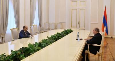 Армен Саркисян обсудил ситуацию в Армении с Эдмоном Марукяном