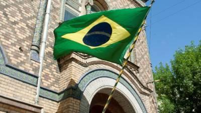 Число заразившихся коронавирусом в Бразилии превысило семь миллионов