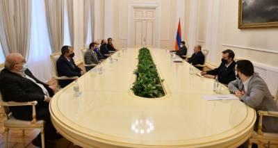 Армен Саркисян обсудил ситуацию в Армении с внепарламентскими силами