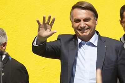 Президент Бразилии заявил о риске «стать аллигатором» из-за прививки от COVID-19