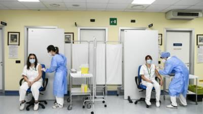 Правительство Италии не планирует делать прививки от COVID-19 обязательными