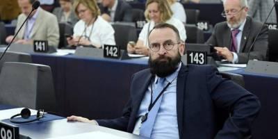 Оргия во время локдауна. Все о главном секс-скандале недели, разрушившем карьеру топ-соратника Орбана и борца с гей-браками в Венгрии