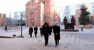 Глава МИД Армении в Москве почтил память жертв Спитакского землетрясения