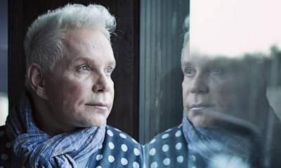«Никакого просвета». Певец Борис Моисеев прикован к постели: по словам знакомой певца, ему не хватает денег даже на еду