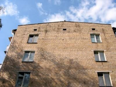 В Кривом Роге мужчина выпрыгнул из окна больницы