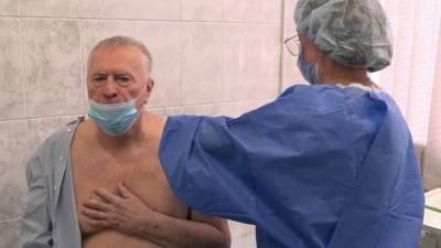 Уже третью неделю в России выявляют менее 5000 новых случаев коронавируса за сутки