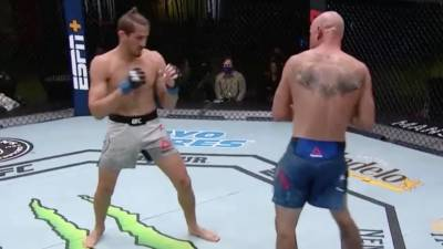 Бой Серроне и Прайса на турнире UFC Fight Night 178 завершился ничьей