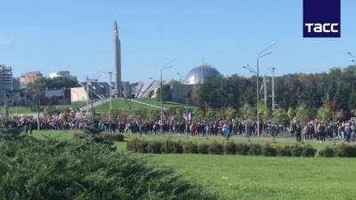 В Минске протестующие двинулись в сторону резиденции Александра Лукашенко