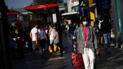 В Великобритании вводят ограничительные меры из-за COVID-19