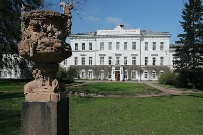 Петербуржцы пожаловались на парк Лесотехнической академии