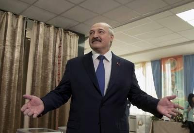 Лукашенко пообещал подготовить поправки в конституцию до конца 2021 года