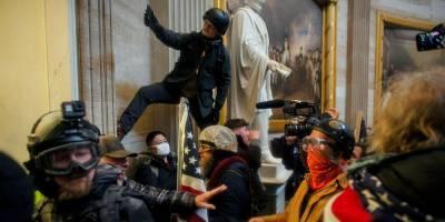Картины, скульптуры, фрески. Эксперты озвучили первые оценки повреждений предметов искусства во время штурма Капитолия