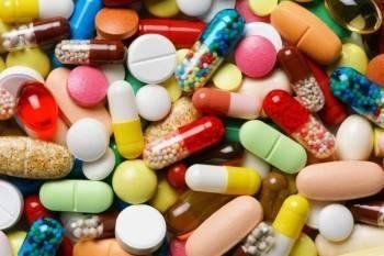 Эксперт рассказал о препаратах, которые нельзя использовать при ковиде