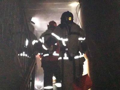 При пожаре в многоэтажке лишь один человек погиб от огня, семеро – от угарного газа