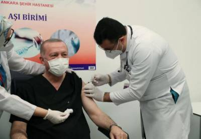 Реджепу Тайипу Эрдогану сделали прививку от коронавируса