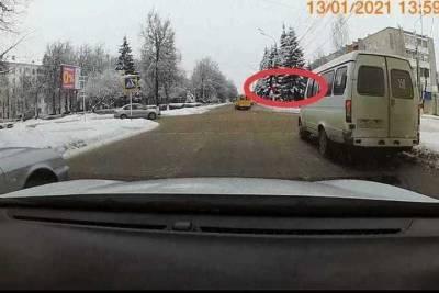 В Новомосковске водитель маршрутки оштрафован за грубое нарушение ПДД
