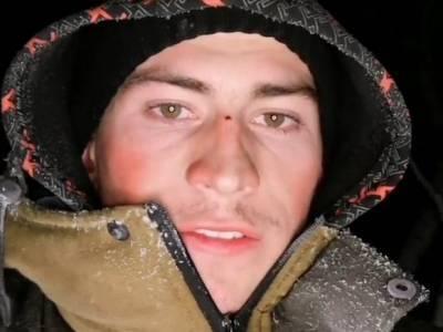 Чиновник не смог без березы поговорить с Омском в деревне, где живет тиктокер-тысячник
