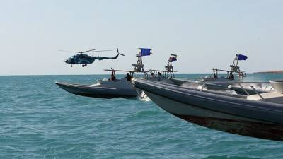 Иранские военные обнаружили следящую за их учениями американскую подлодку