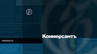 Перед прилетом Навального в аэропорту Внуково заметили автозак