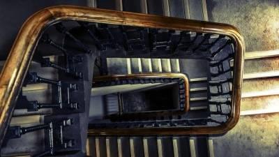 Соседи-полицейские спасли блокадницу от убийства на лестничной площадке