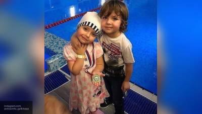 В Сети появились фото Лизы и Гарри Галкиных в младенчестве