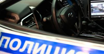 В Mercedes в центре Москвы обнаружили тело мужчины