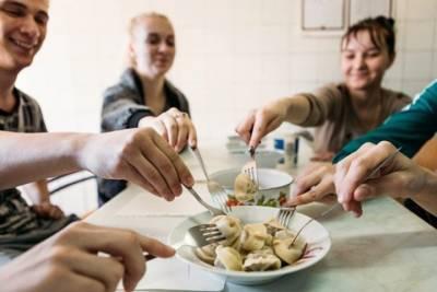 Томских студентов заманивают в библиотеки супом