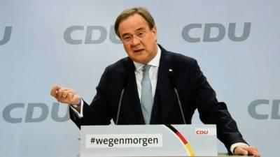 Депутат бундестага: Лашет обеспечит Меркель безопасный уход из политики