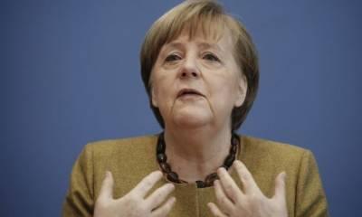 """Меркель осудила санкции США против """"Северного потока - 2"""" и намерение остановить его строительство"""