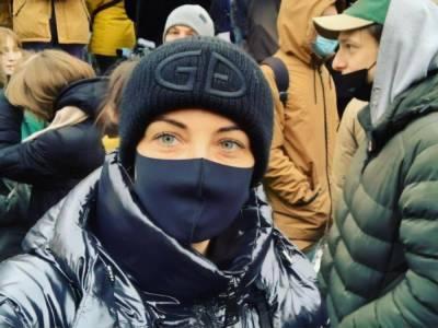 Российские силовики отпустили задержанную на акции протеста жену Навального