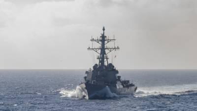 Адмирал Комоедов рассказал о новой провокации ВМС США вблизи Крыма