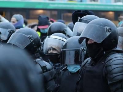 В Союзе журналистов сообщили о 40 представителях СМИ, задержанных и пострадавших на акци