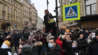 Полиция задержала 35 организаторов митингов в поддержку Навального