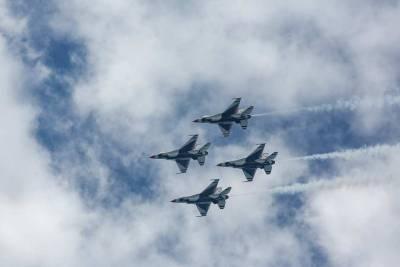 Авианосная ударная группа ВМС США была вынуждена прекратить движение из-за «беспредела» авиации КНР