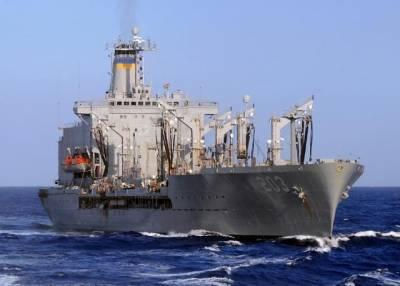 ВМС США направили в акваторию Черного моря танкер для заправки эсминца Donald Cook