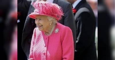 В магазине королевы Елизаветы II покупатели разметают с полок напиток с марихуаной