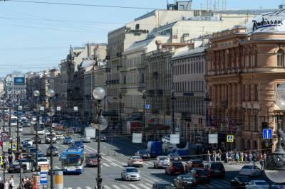 Жители Петербурга назвали необходимую для жизни ежемесячную сумму