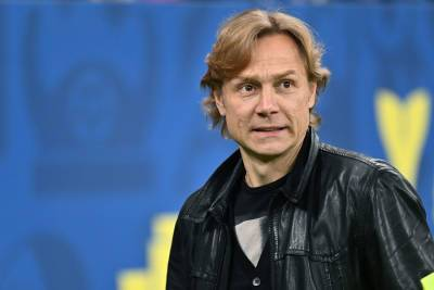 Карпин взял вину на себя за игру сборной России в матче со Словакией