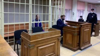 Дезинсектора по делу об отравлении арбузом в Москве отправили под домашний арест