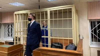 Суд перевел под домашний арест дезинсектора, арестованного по делу об отравлении на Совхозной улице