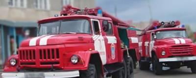 В Омске из горящего многоквартирного дома эвакуировали 21 человека
