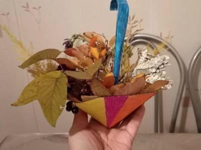 Осенняя поделка в детсад или школу: мастерим композицию из листьев