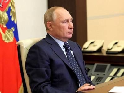 Едва выйдя из самоизоляции, Путин чем-то заболел: кашляет на совещаниях