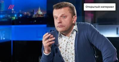 «Власть хочет править как Сталин, а жить как Абрамович»: Леонид Парфенов — о том, что стоит за массовым применением законов об «иноагентах»