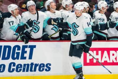 """""""Сиэтл"""" уступил """"Вегасу"""" в своём дебютном матче в регулярном чемпионате НХЛ. ВИДЕО"""