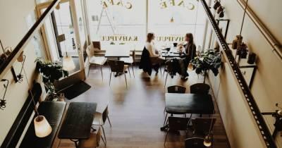 Власти Москвы отказались вводить новые ограничения для ресторанов из-за COVID-19