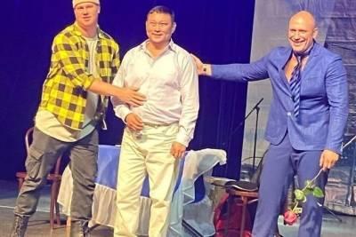 Артист забайкальского драмтеатра экстренно заменил в спектакле московского актёра